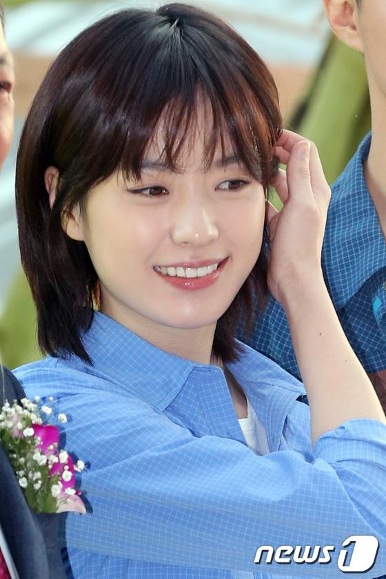 한효주 '수줍은 모습도 예뻐!'