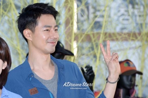 jo-in-sung-and-han-hyo-joo-blackyak-40th-anniversary-event (14)