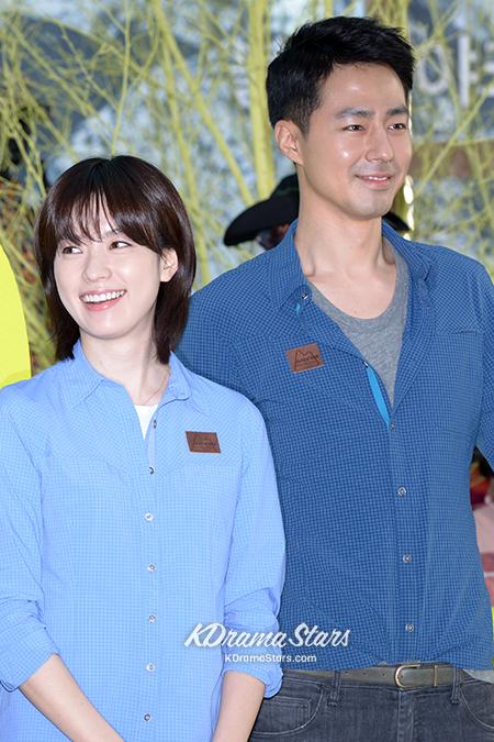 jo-in-sung-and-han-hyo-joo-blackyak-40th-anniversary-event (17)