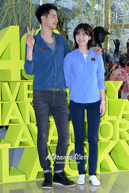 jo-in-sung-and-han-hyo-joo-blackyak-40th-anniversary-event (17)