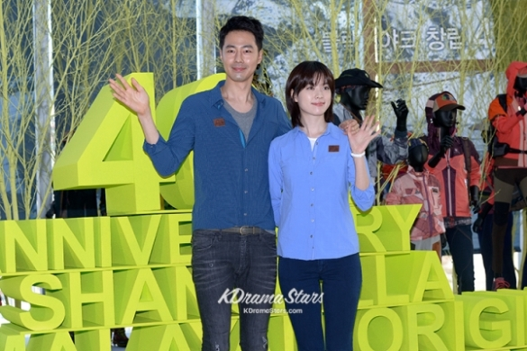 jo-in-sung-and-han-hyo-joo-blackyak-40th-anniversary-event (2)