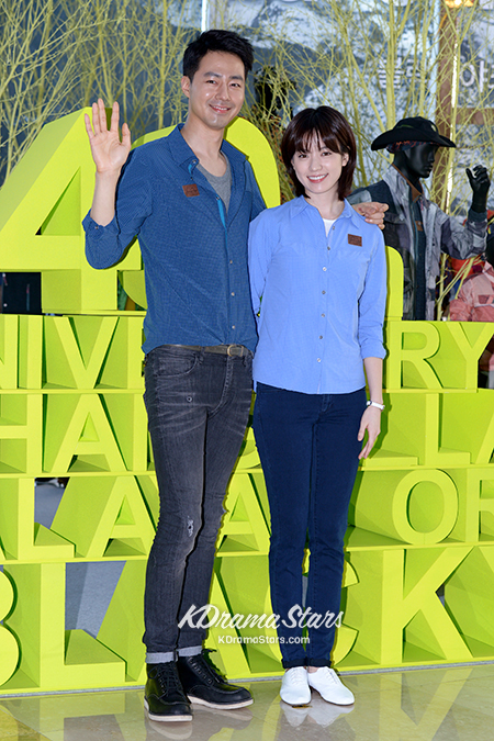 jo-in-sung-and-han-hyo-joo-blackyak-40th-anniversary-event (5)