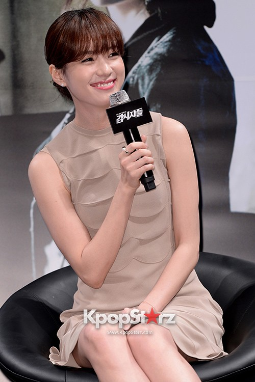 76608-han-hyo-joo-attends-as-a-leading-actors-kmovie-cold-eyes-press-confere