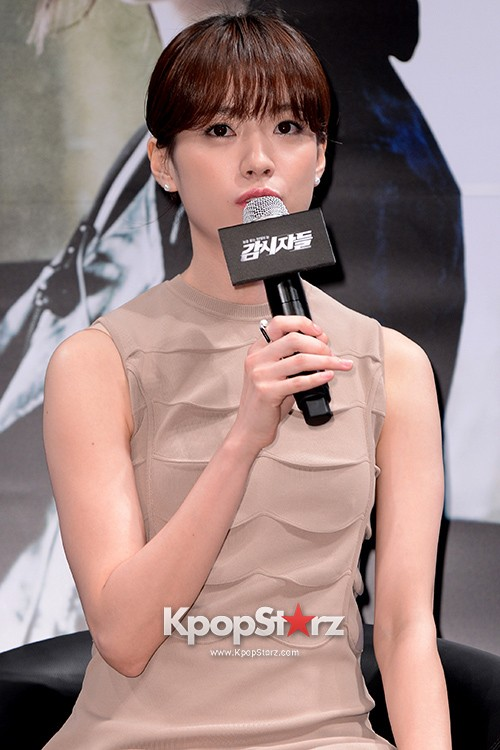 76611-han-hyo-joo-attends-as-a-leading-actors-kmovie-cold-eyes-press-confere