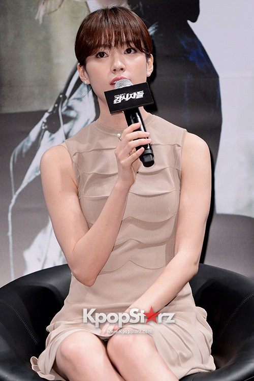 76620-han-hyo-joo-attends-as-a-leading-actors-kmovie-cold-eyes-press-confere