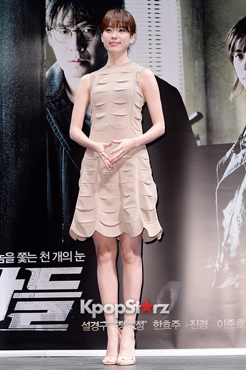 76628-han-hyo-joo-attends-as-a-leading-actors-kmovie-cold-eyes-press-confere